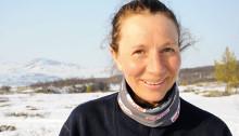 Solveig Aaseby fra Nittedal HK har kjørt Seppalaløpet flere ganger, men hun har aldri opplevd så høye temperaturer som i dag, 1000 meter over havet.